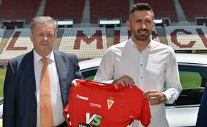 Manolo Herrero: «No concibo que el Real Murcia en Segunda B no lleve el peso de los partidos»