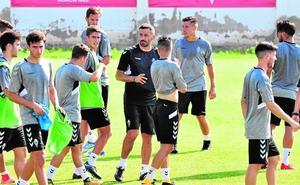 La pretemporada más exigente del Murcia