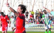 El Murcia ata a Chumbi, todavía no recuperado de su lesión de rodilla