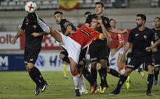 Juanma Bravo se queda en el Real Murcia