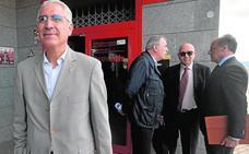 García de la Vega da un paso más para recobrar el control del Murcia