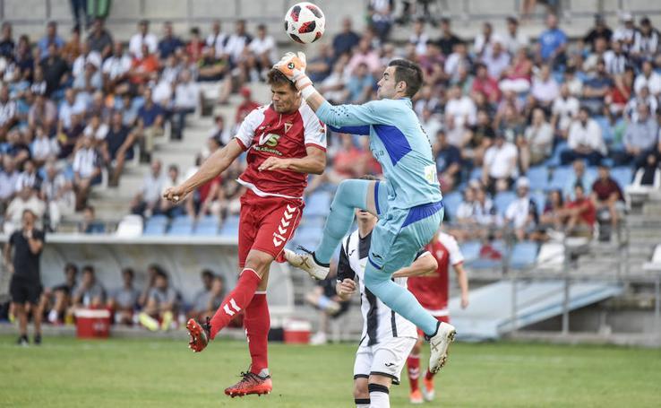 El Murcia salva un punto en Badajoz