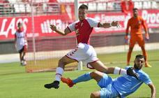 Curto da la victoria al Real Murcia ante el Ibiza