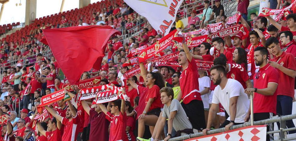El Real Murcia consigue 10.775 abonados, su récord histórico en Segunda B