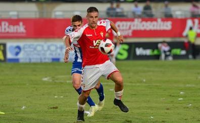 El Murcia vence al Talavera pese a la inestabilidad