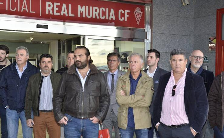 Gálvez deja plantada a la Plataforma de Apoyo al Real Murcia