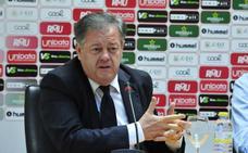 Gálvez se agarra al Real Murcia y asegura que los jugadores cobrarán esta semana