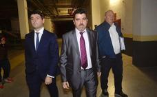 El doctor Chema Almela toma las riendas del Real Murcia tras la salida de Gálvez
