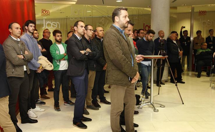 Reunión de más de 200 representantes de firmas de la Región para salvar al Murcia