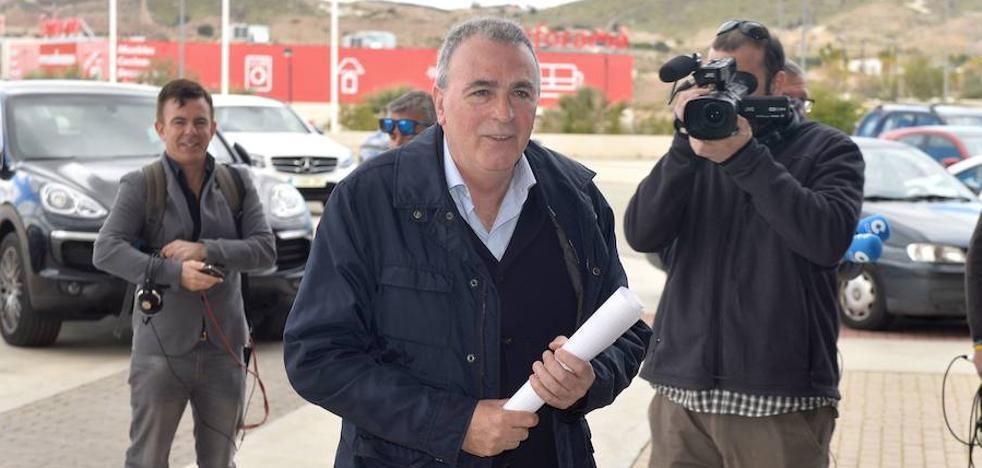 Tornel y Cobacho sustituirán a López y Settels