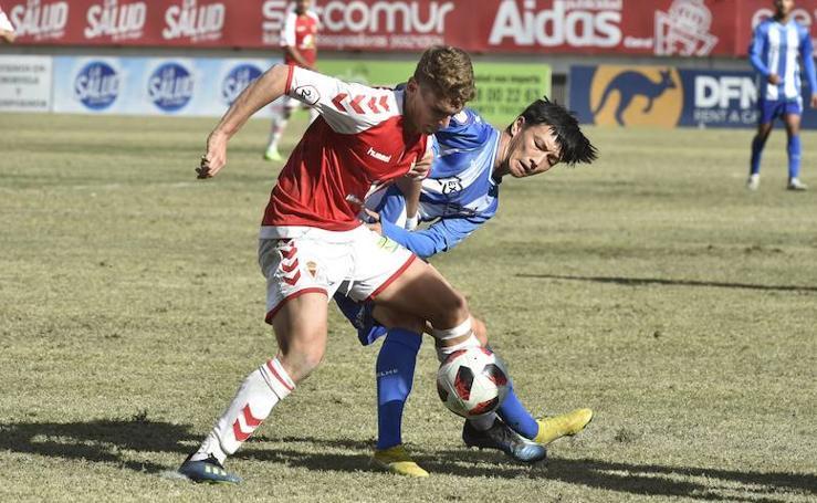 El Real Murcia sigue ausente (1-1)