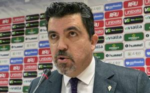 Almela confirma que Algar «parte con ventaja» para ser el próximo director deportivo