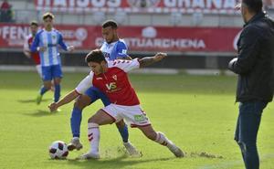 El Murcia toma impulso ante el Malagueño (2-0)