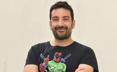 Salva Espín diseñará este jueves una camiseta para el Real Murcia en directo