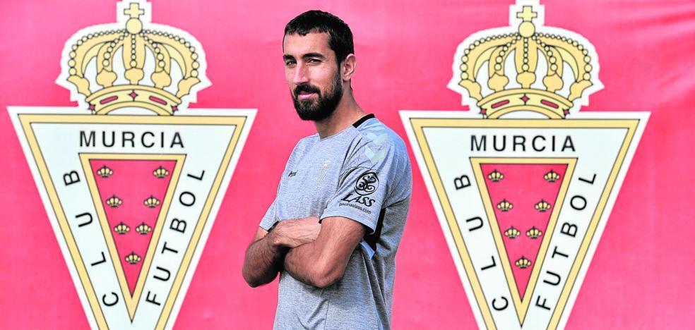 Sergi Maestre: «Vine para ascender a Segunda con el Real Murcia y pienso luchar por conseguirlo»