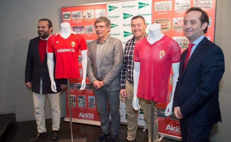 La exposición 'Camisetas históricas del Real Murcia' se podrá visitar en El Corte Inglés