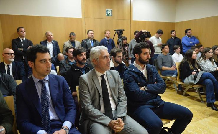 La 'guerra' por la propiedad del Real Murcia se alarga hasta noviembre