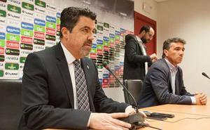El Consejo del Real Murcia mantiene a Motos una semana más