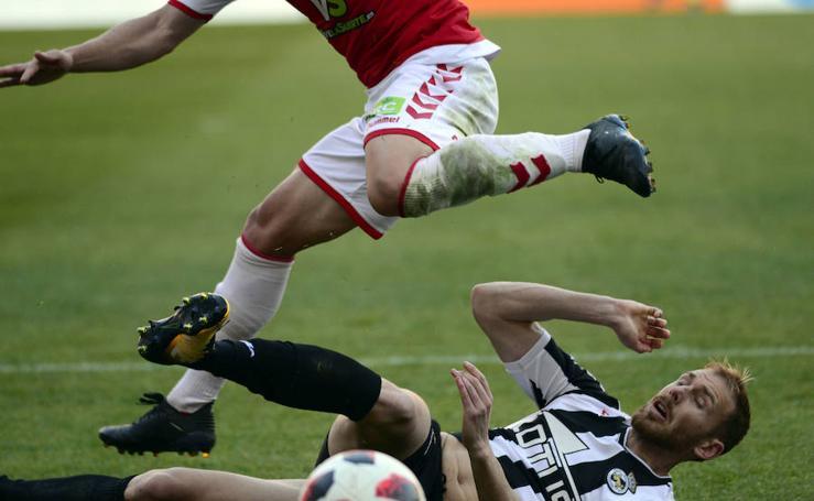 El Real Murcia no evita otra derrota
