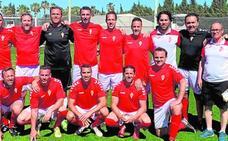 Los veteranos del Murcia suben al podio en el torneo de Oliva