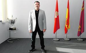 José María Almela: «Estamos poniendo las bases para salvar el club»