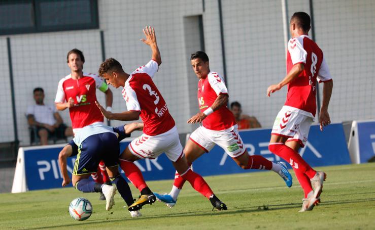 El Real Murcia vuelve a caer en el Pinatar Arena