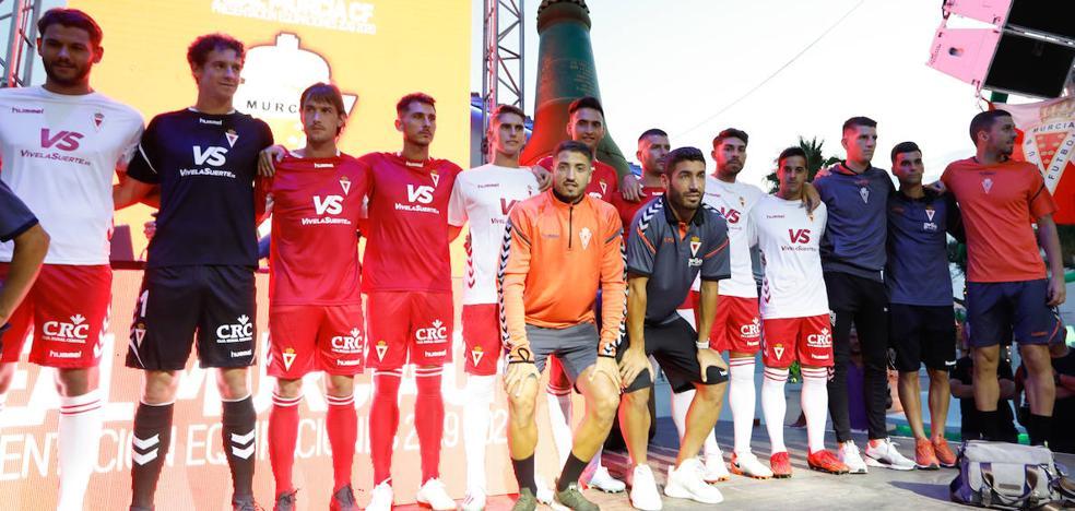 El Murcia homenajea a los héroes de Granada en su segunda equipación