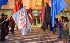 El nuevo recinto festivo abre sus puertas con las barracas de 28 peñas