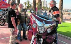 3.000 motos custom se adueñan de La Ribera