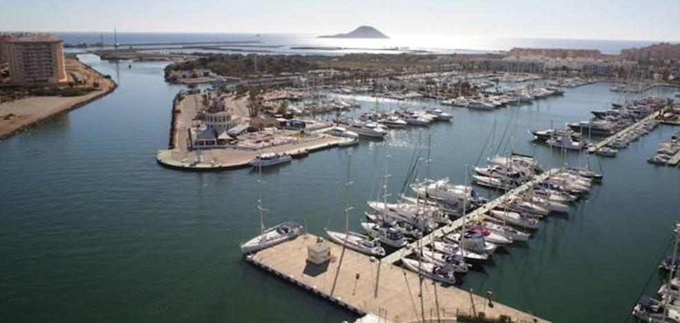 Los dueños de los amarres del Tomás Maestre se manifestarán en el Mar Menor con 300 barcos