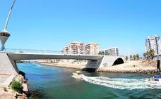 Una avería paraliza la apertura del puente del Estacio de La Manga más de 24 horas