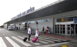 El tráfico de pasajeros en el aeropuerto de San Javier crece un 7,9% entre enero y julio