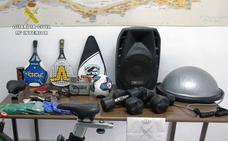 Detienen al presunto autor de varios robos en el polideportivo de La Manga