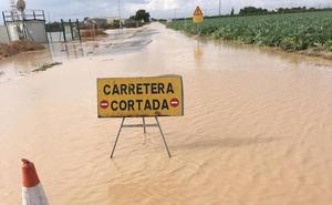 Las lluvias obligan a suspender las clases y a cortar numerosas carreteras
