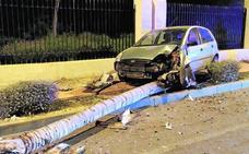 Un conductor huye tras un aparatoso choque en San Javier