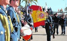 «Ante la bandera os comprometéis a proteger la libertad de los españoles»
