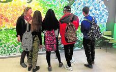 Un programa de inclusión asigna tutores extraescolares a 20 alumnos magrebíes