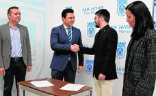 Cs apoya las cuentas a cambio de que el PP retire el amianto de los colegios de San Javier