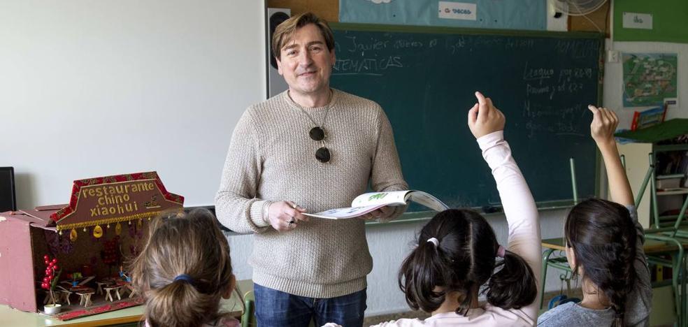 El PSOE integra en su lista a Toni García Arias, el 'mejor maestro de España'