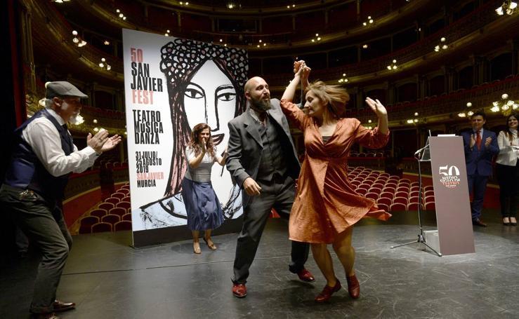 Jane Birkin y el bailarín Carlos Acosta, en el Festival de Teatro de San Javier