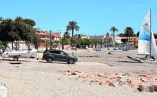 El trazado erróneo del canal de embarque desata las quejas en la playa de Castillicos de San Javier