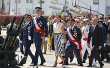 Los Reyes apadrinan a los nuevos oficiales del Aire