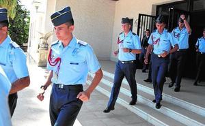 El recuerdo a los tres militares fallecidos marca el inicio del curso en la AGA