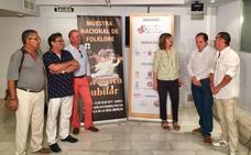 La explanada acoge la Muestra Nacional de Folklore 'Caravaca Jubilar'