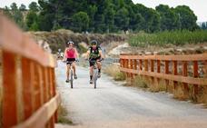 Turismo impulsa la creación de la ruta ciclista 'Eurovelo 8' a su paso por la Región de Murcia