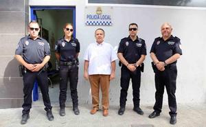 La Policía Local renueva su vestuario de verano