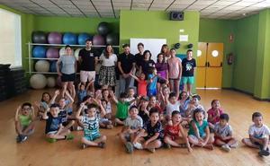 Un centenar de niños y niñas participa la Escuela Municipal de Verano