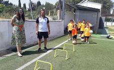 Más de 600 niños y niñas han participado en las seis ediciones del campus intensivo de fútbol Paco 'Cuco'