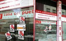 Las sedes socialistas de Caravaca y Cehegín amanecen cubiertas de mensajes franquistas