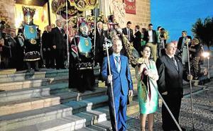 La procesión de la Exaltación de la Vera Cruz congrega a cientos de fieles en Caravaca